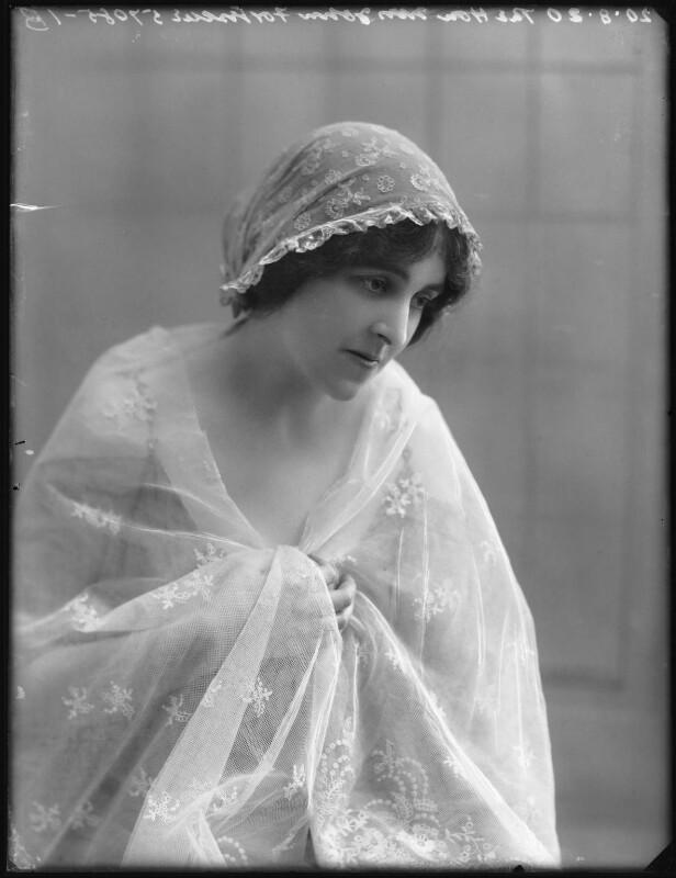 Winifred-ne-Beech-Lady-Fortescue-3